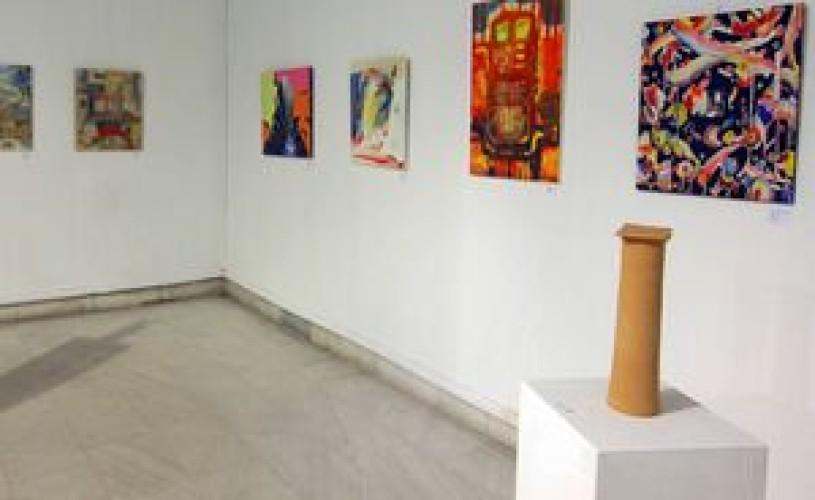 """Bucureşti: Expoziţia """"Eseuri cromatice"""" semnată Luminiţa Gliga la Centrul Cultural UNESCO"""