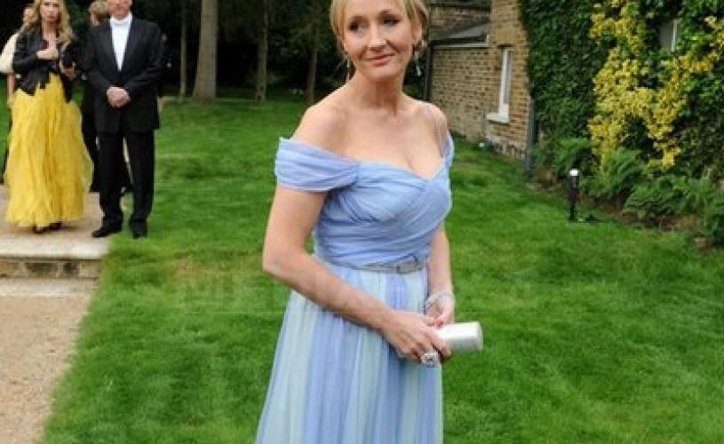 """""""The Casual Vacancy"""", cel mai recent roman scris de J.K. Rowling, va fi lansat joi"""
