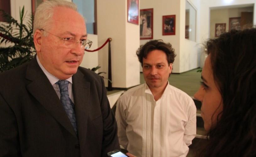 Ministrul culturii, Puiu Haşotti- câteva cuvinte la premiera piesei Îngeri în America şi nu numai