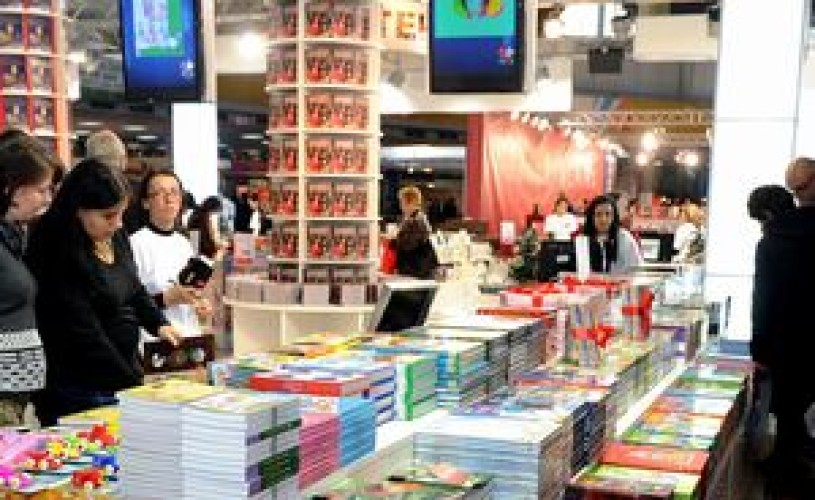 Marea carte a Craciunului lansata la Gaudeamus de Editura Litera