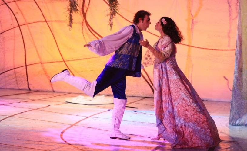 """Teatrul Excelsior, în premieră, la Târgul """"Gaudeamus"""""""