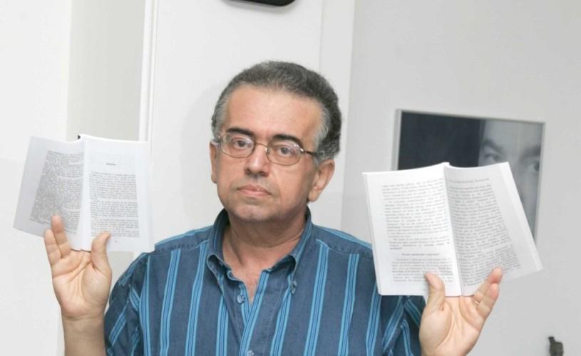 Volume de Marius Chivu si Dan C. Mihailescu, nominalizate la premiul pentru Cartea Anului
