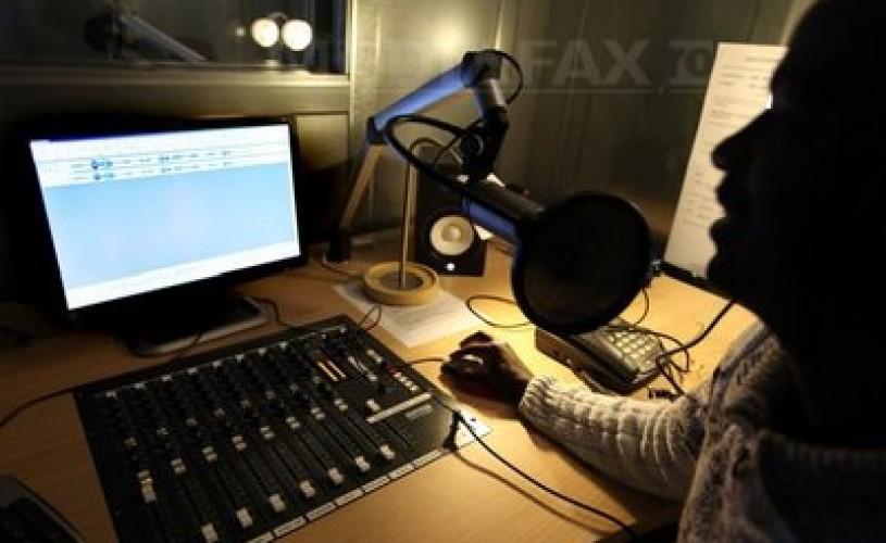 Topul celor mai ascultate posturi de radio româneşti. Cine conduce în clasament?