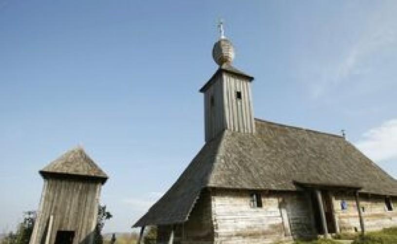 Refacerea bisericilor din lemn, pe lista priorităţilor CJ