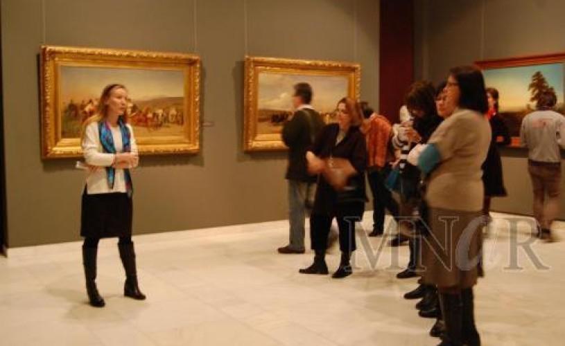 Un ceas pentru artă în expoziţia Mitul naţional la MNAR