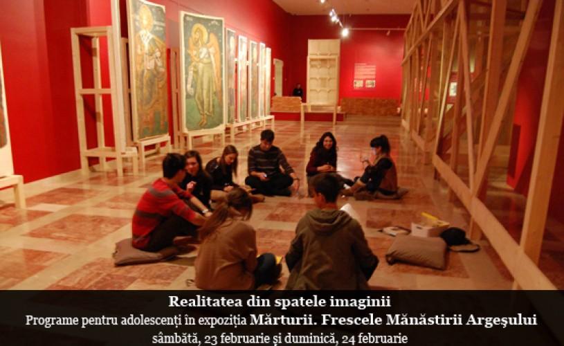 """""""Realitatea din spatele imaginii"""": programe pentru adolescenți în expoziţia Mărturii. Frescele Mănăstirii Argeşului"""