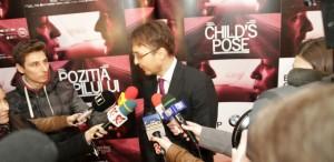 """VIDEO """"Poziţia copilului"""" începe turneul mondial"""