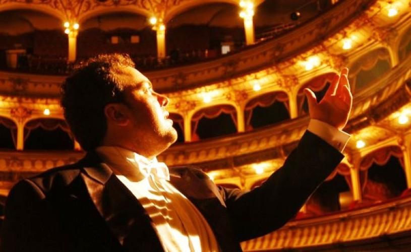 Tenorul Ștefan Pop, invitat la Opera Națională București