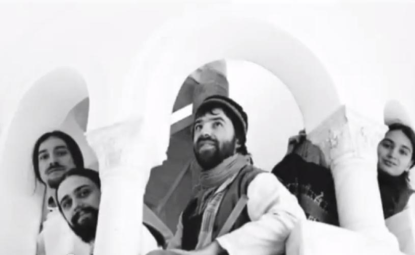 VIDEO Trupa Trei parale cântă la Teatrul Odeon din Bucureşti