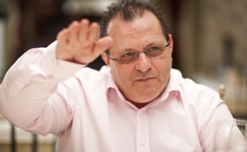 """INTERVIU Victor Ioan Frunză: """"UNITER este un bloc de tip sovietic"""""""