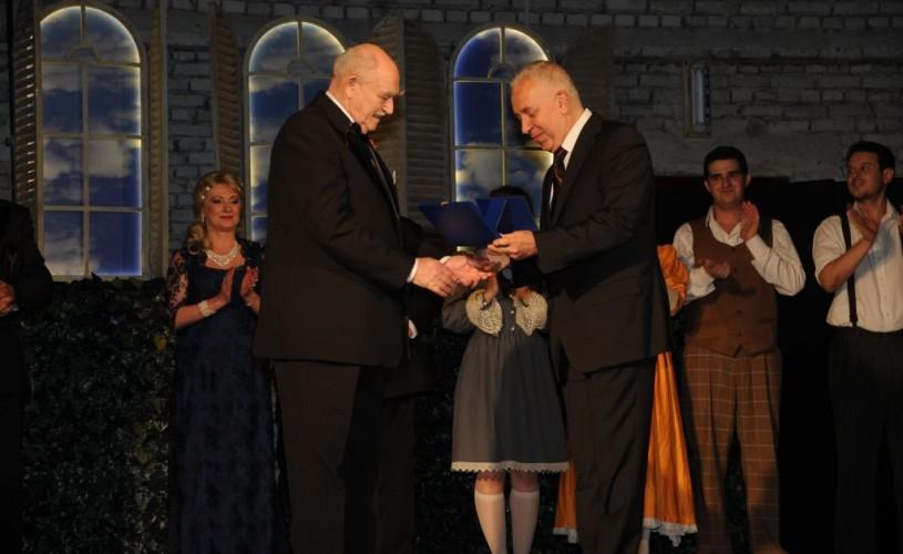 GALERIE FOTO Teatrul de proiecte din Câmpina va purta numele lui Mircea Albulescu
