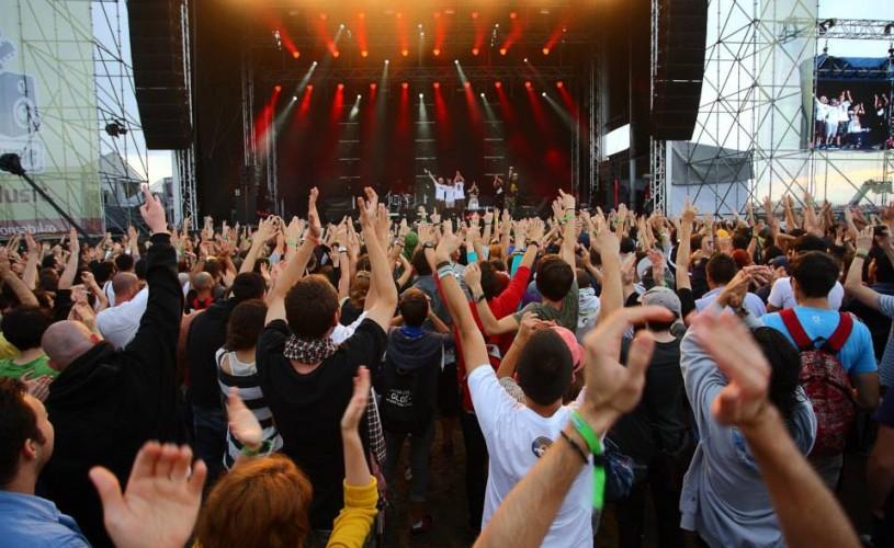 VIDEO A doua zi a festivalului B'estfest a avut un public record de peste 28.000 de spectatori