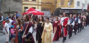 """VIDEO Aproximativ 20.000 de persoane, aşteptate să participe la Festivalul """"Sighişoara Medievală"""""""