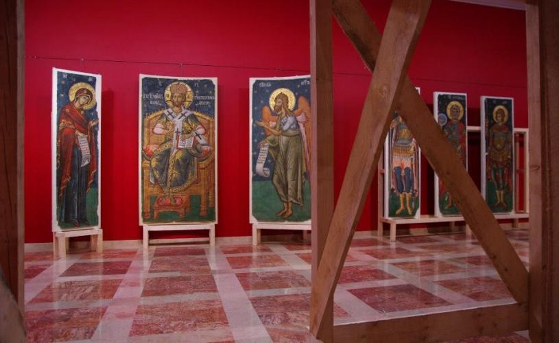 """""""Mărturii. Frescele Mănăstirii Argeşului"""" a fost desemnată cea mai bună expoziţie a anului 2012 de ICOM"""