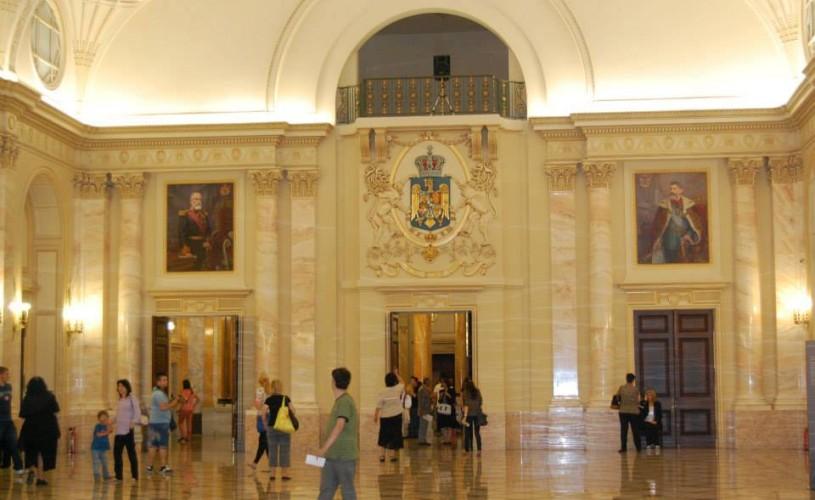 Vizite cu ghidaj tematic gratuit la Muzeul Colecţiilor de Artă din Capitală, pe 13 şi 26 iulie