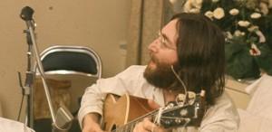 """VIDEO Microfonul folosit de John Lennon pentru înregistrarea albumului """"Imagine"""" este scos la vânzare"""
