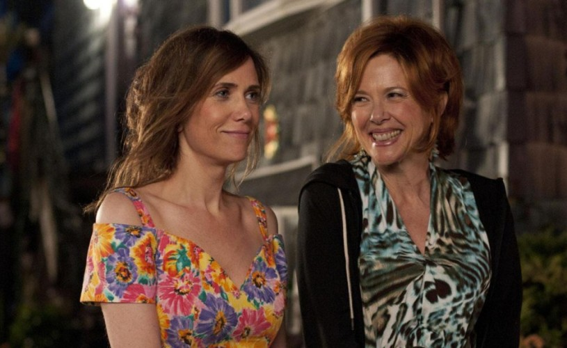 """Câştigă două invitaţii la comedia """"Fata care promitea"""", cu Annette Bening şi Matt Dillon!"""