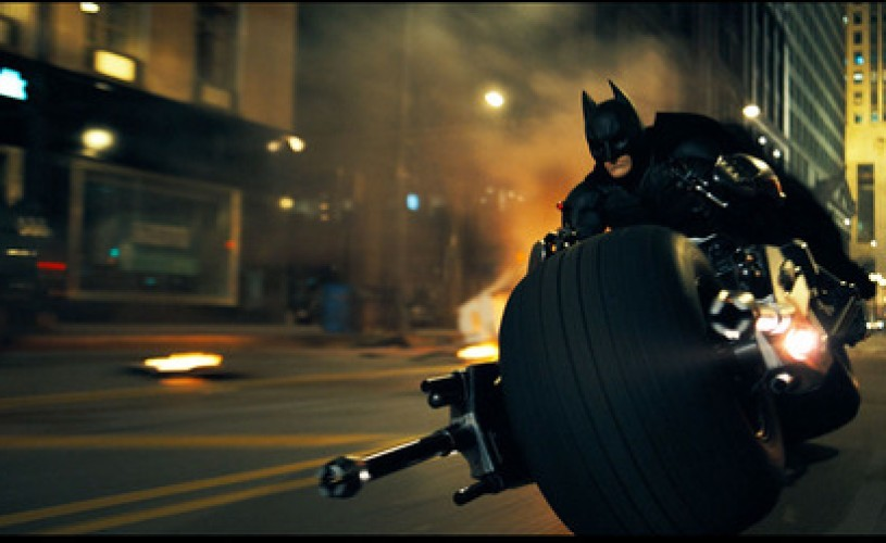 VIDEO Câţi bani va primi Christian Bale dacă va accepta să îl interpreteze din nou pe Batman
