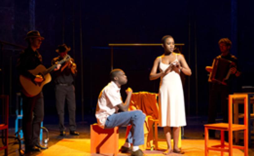 Costumul, în regia lui Peter Brook, la Opera Naţională Bucureşti