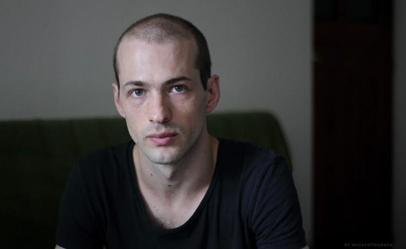 Video interviu. Actorul Istvan Teglas joacă în trei spectacole într-o seară