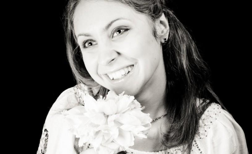 """Petra Pintelei, nevăzătoare: """"Sunt frumoasă dacă mă străduiesc să fiu frumoasă"""""""