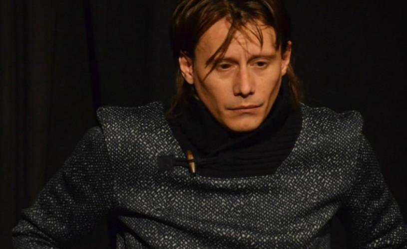 Doua liniute, un nou spectacol cu Marius Manole. Câştigă o invitaţie!