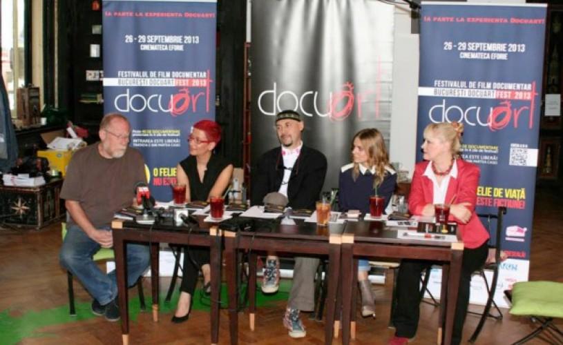 Docuart – Caravana documentarelor ajunge în cinci oraşe