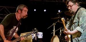 Mike Watt, unul dintre cei mai importanți basiști, în concert la București