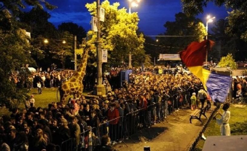 """Vânătoarea de muzee 2014 – între istorie, artă, natură şi """"viaţa de cimitir"""" – reportaj"""