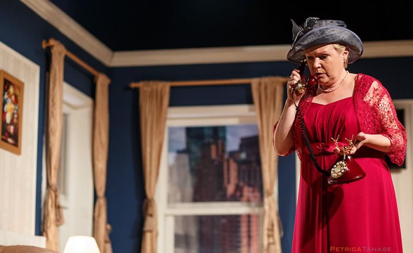 """<strong>Tania Filip</strong>: """"Dacă simţi mirosul de butaforie te molipseşti pe viaţă de teatru"""""""