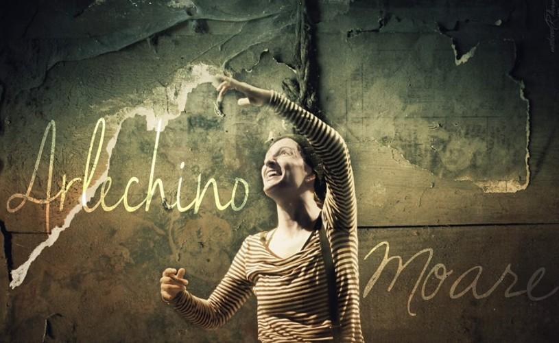 Arlechino (nu) moare, ci <strong>sărbătorește</strong>