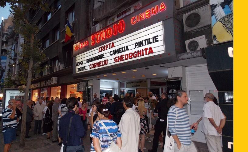 Marin Moraru, Daniela Nane şi Nae Caranfil, la premiera filmului Cripta