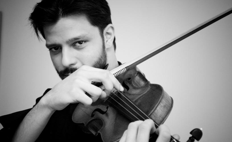 Un Stradivarius din 1729 şi Razvan Stoica deschid stagiunea Orchestrei de Cameră Radio