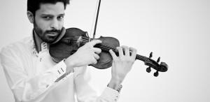 """Răzvan Stoica, violonist: """"Am o relaţie cu adevărat specială cu publicul din România"""""""