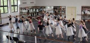 """,,Giselle"""", capodopera baletului romantic, într-o nouă montare  la Opera Naţională Bucureşti"""