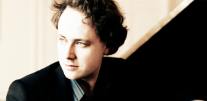 Unul dintre cei mai apreciați interpreți ai lui Beethoven, Alexander Schimpf, pe scena Sălii Thalia