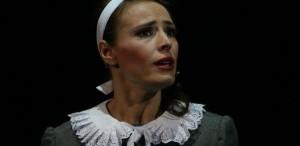Monica Davidescu, actriṭa nelipsitã de pe scena Teatrului Metropolis, vorbeşte despre emisiunea la care concureazã- Dansez pentru tine