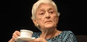 'Portretul Doamnei T', o piesa in care Olga Tudorache trăieşte în rezonanţă totală cu publicul