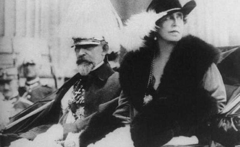 Se împlinesc 90 de ani de la încoronarea primilor regi ai României Mari. Expoziţie cu coroanele, mantiile şi sceptrul regale.