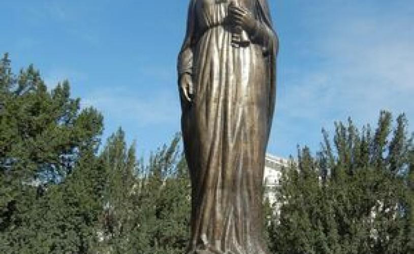 Statuia reginei Maria, inaugurată la Oradea, de Ziua Orasului, de catre reprezentanţii Casei Regale