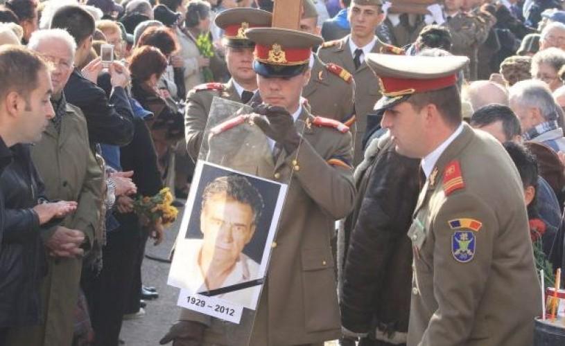 Iurie Darie a fost înmormântat cu onoruri militare