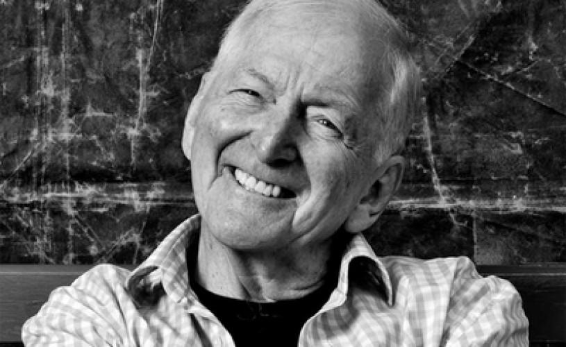 Scriitorul australian Bryce Courtenay a murit