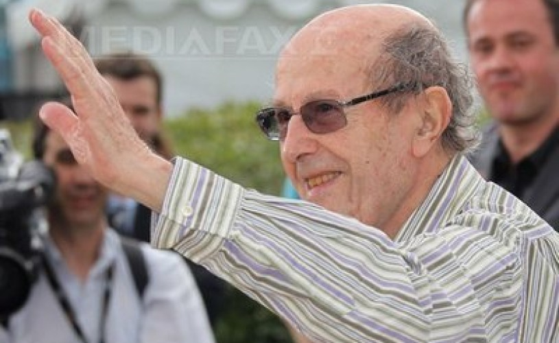Cineastul Manoel de Oliveira isi sarbatoreste a 104-a aniversare prin munca