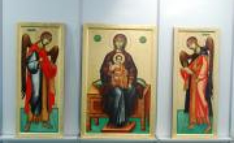 Expoziţie naţională de icoane pe sticlă şi lemn în Galeria de Artă a TNB