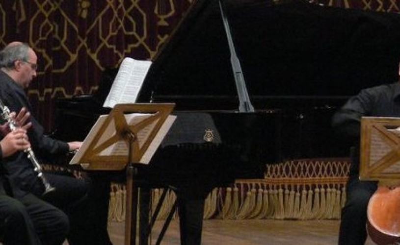 Violoncelistul Dan Cavassi şi clarinetistul Cristian Mancas vor concerta în Sala Mare a Ateneului Român