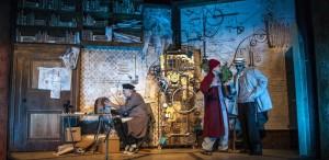 """VIDEO """"Ţarul Ivan"""" se joacă la Teatrul Metropolis ca la cinematograf"""