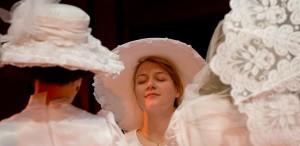 """GALERIE FOTO """"Strigăte şi şoapte"""", spectacolul Teatrului Maghiar de Stat, în turneu în Coreea de Sud"""