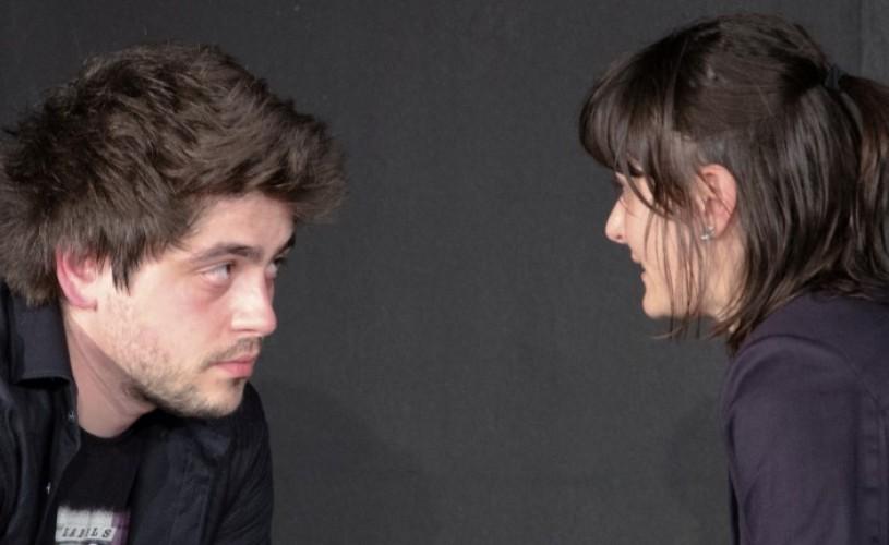 """""""Panică şi probabilitate"""" la Teatrul Apropo"""