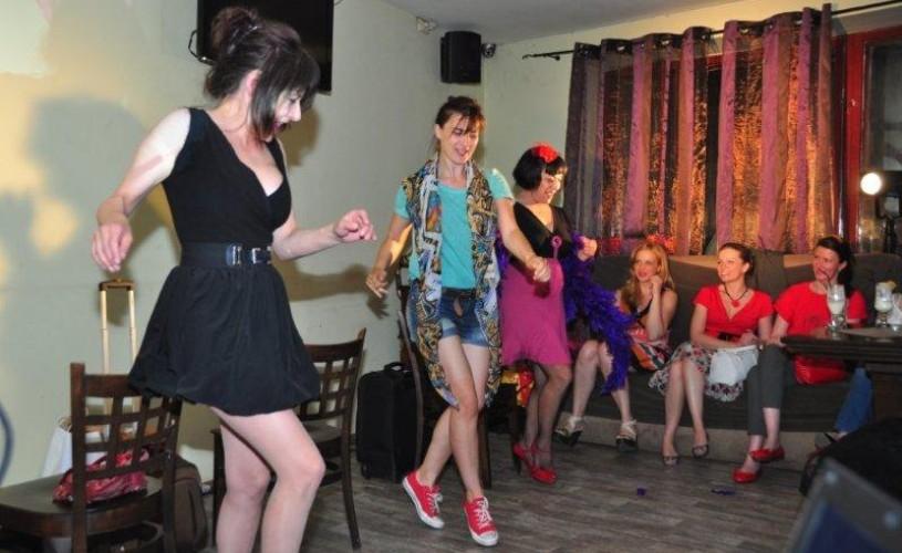 """Ioana Flora, Cătălina Mustaţă şi Clara Flores joacă sâmbătă în spectacolul """"Ciao, Bella"""""""