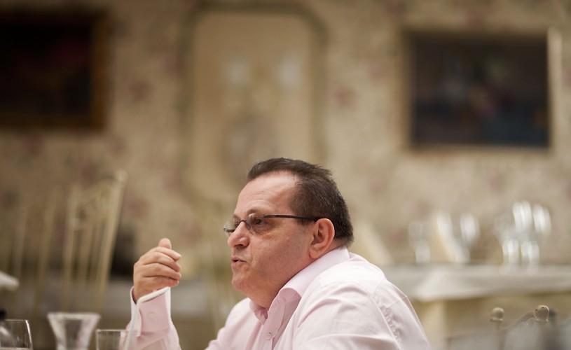 """Victor Ioan Frunză: """"E greu să aducem publicul în sală când suntem pe moarte"""""""